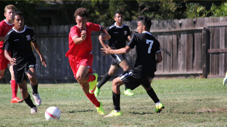 Sophomore+B.J.+Askew+%28center%29+scored+within+the+first+six+minutes+of+the+Cavs%27+game+against+Encina+High+School+and+finished+with+two+more+goals%2C+completing+a+hat+track%2C+in+the+Cavs%27+second+game+of+the+season%2C+which+resulted+in+a+tie.++