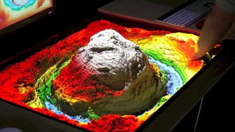 Q&A: Missing the beach? Check out senior Kevin Huang's topographical sandbox in the Makerspace (video included)