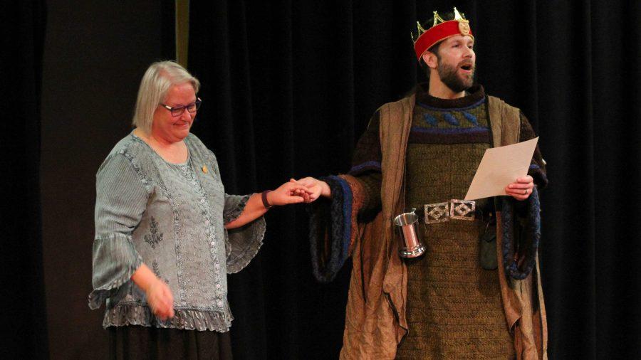 Art, history teachers shout last Renaissance Faire 'huzzah!'