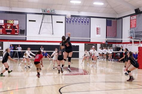 Varsity volleyball girls victorious against league rivals
